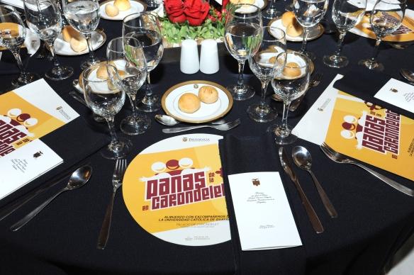 Almuerzo del Presidente Correa a sus ex compañeros y profesores de la Católica